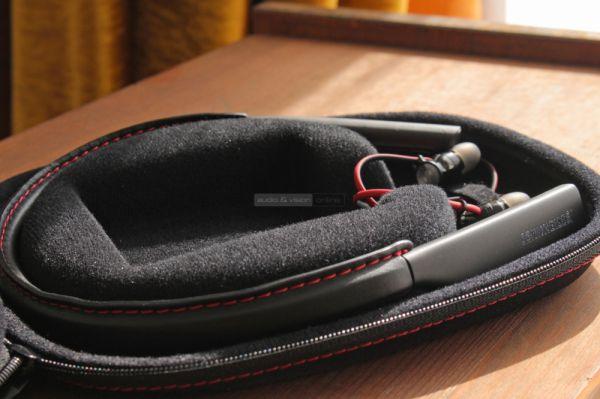 Sennheiser MOMENTUM In-Ear Wireless Bluetooth fülhallgató tok