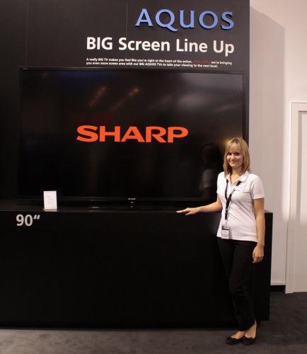 Sharp AQUOS 90 colos LED TV IFA 2012