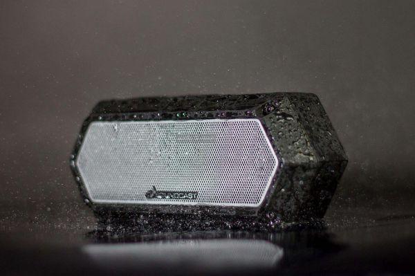 Soundcast VG1 vízálló Bluetooth hangszóró