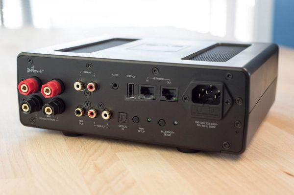 SVS Prime Wireless SoundBase sztereó erősítő hátlap