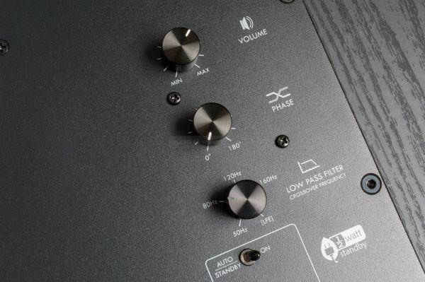 SVS SB-2000 aktív mélyláda panel