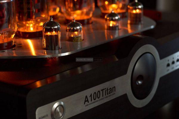 Synthesis Action A100 Titan csöves erősítő