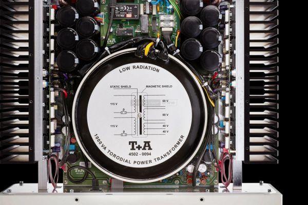 T+A PA 3100 HV sztereó erősítő belső
