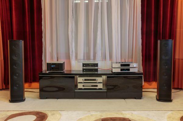 T+A AMP 8 és DAC 8 Criterion TCD 310 hangfalakkal