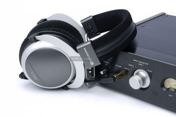 TEAC AX-501 integrált sztereó erősítő teszt fejhallgató erősítő
