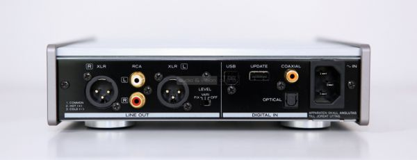 TEAC UD-301 hátlap