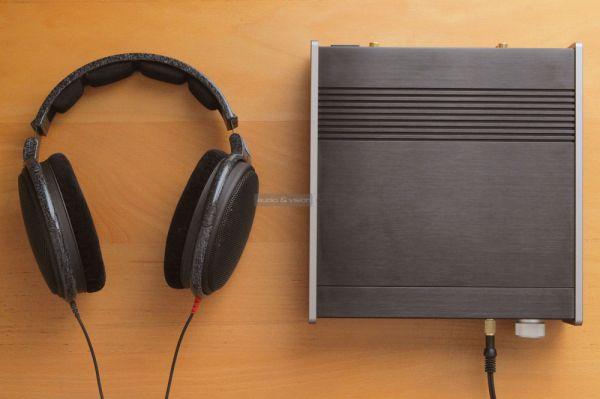 TEAC UD-301 fejhallgató erősítő és Sennheiser HD 600 fejhallgató