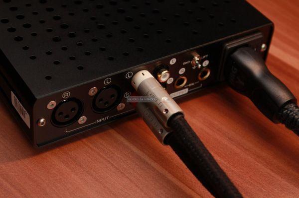 Topping A30 Pro fejhallgató erősítő hátlap