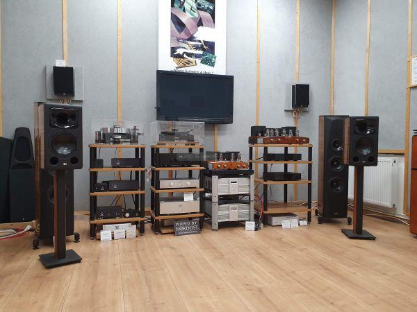 Unison Research MAX Mini hangfal az Audio Centrumban