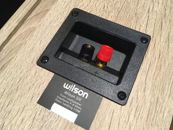 Wilson Six hangfal csatlakozó