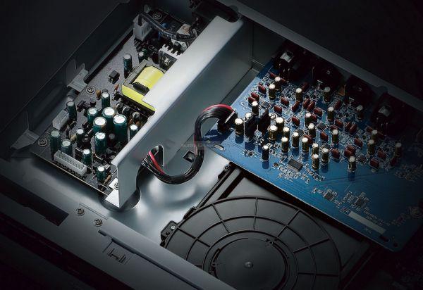 Yamaha BD-A1060 Blu-ray lejátszó belső