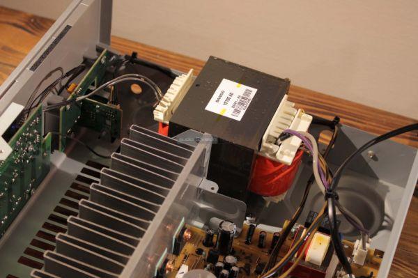 Yamaha R-S202D integrált sztereó rádióerősítő belső