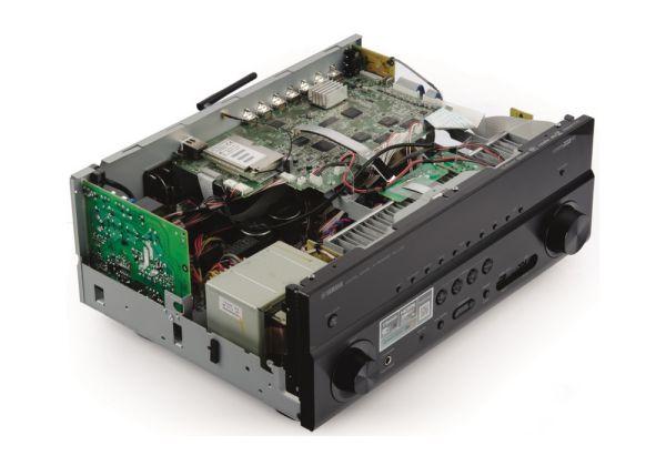 Yamaha RX-V781 házimozi erősítő belső