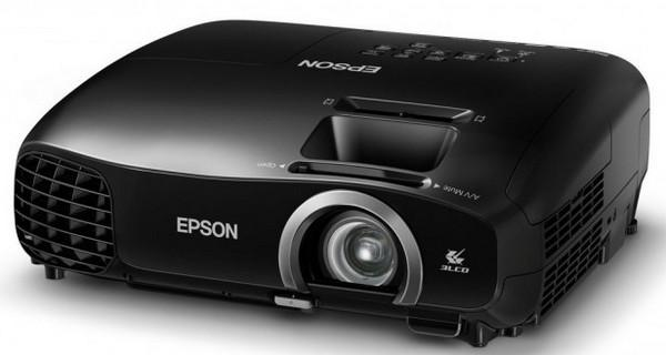 Az Epson különleges akciót hirdet  házimozi projektorai mellé a vásárlók ajándék  3D szemüveget kapnak. 06e499e66b