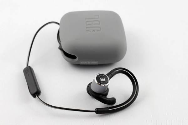 JBL Reflect Contour 2 Bluetooth sportfülhallgató 7c2f0a7565