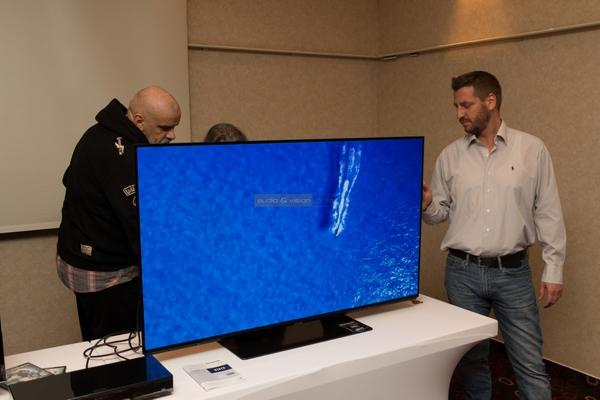Panasonic EZ950 OLED TV